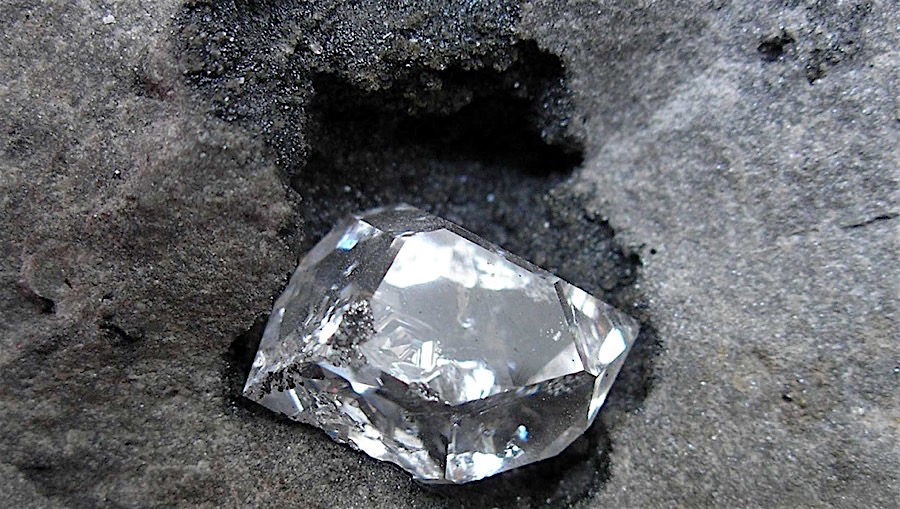 Botswana Diamonds finds octahedron in sample material at Orapa
