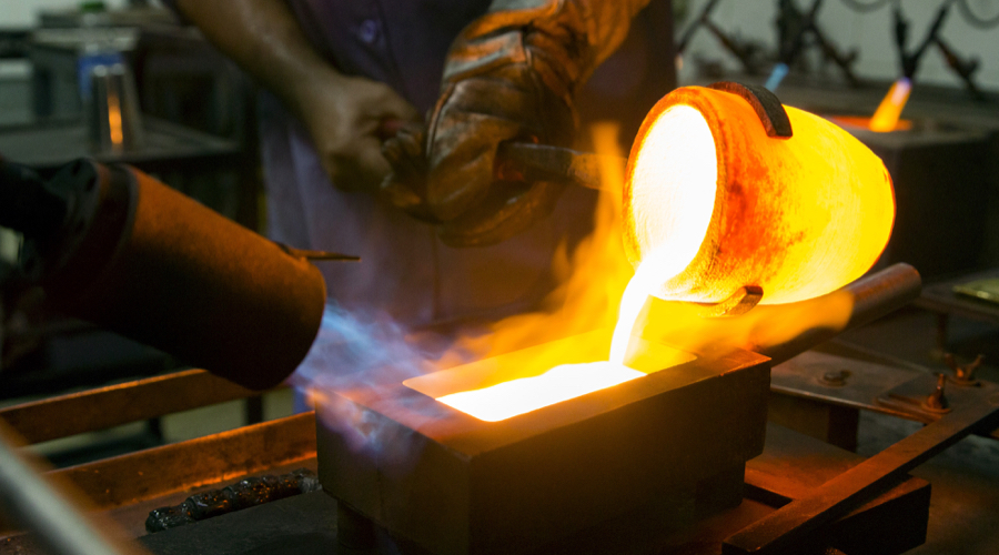 Refiners lash out at regulators plans to force banks cover gold holdings