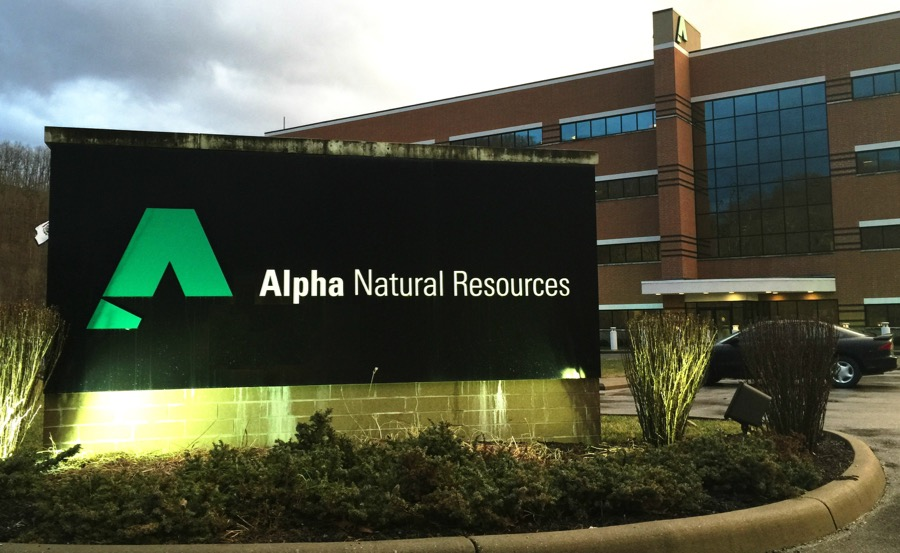 Alpha Natural execs. face fraud charges for failing to disclose $100M in liabilities