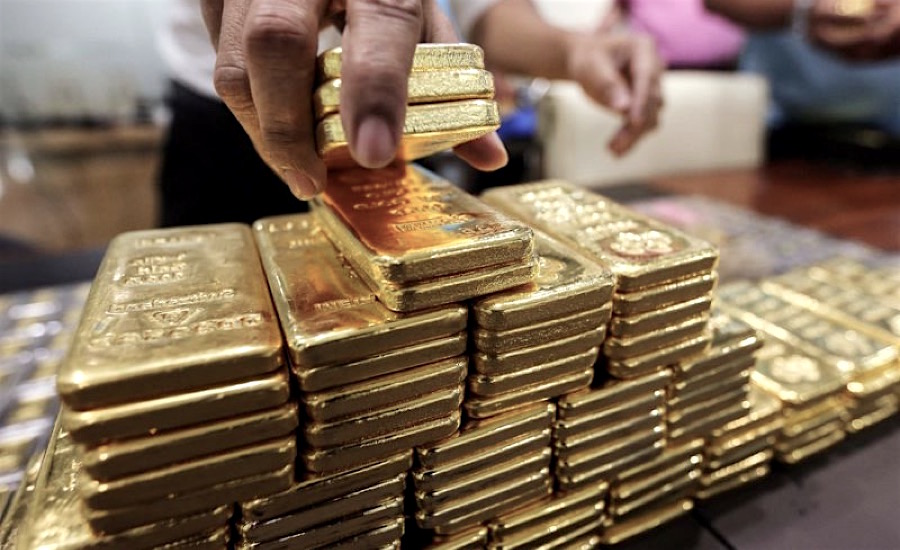 Gold recovers some of last week losses