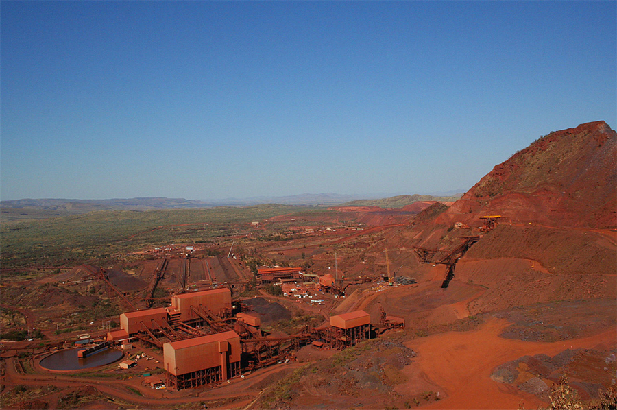 Rio CEO: We'll cut iron ore output to boost cash flow