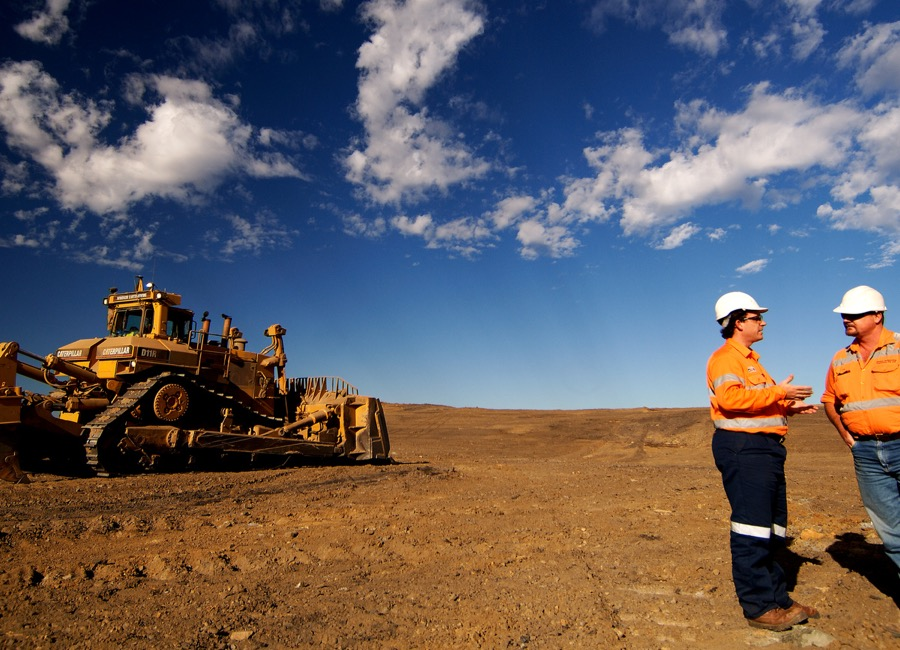 Glencore to resume dividend in 2017 as debt cut on track
