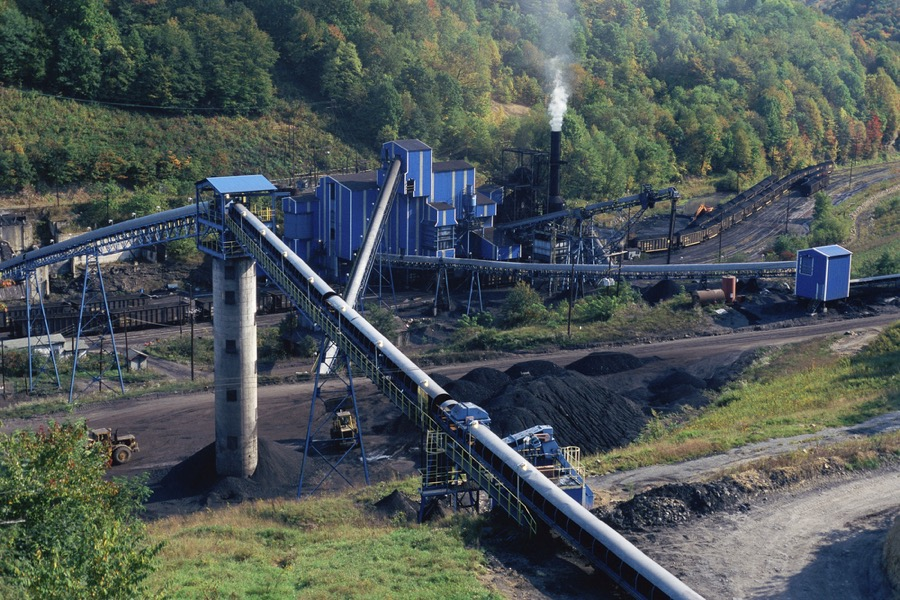 US authorities set stricter rules for coal mining near streams