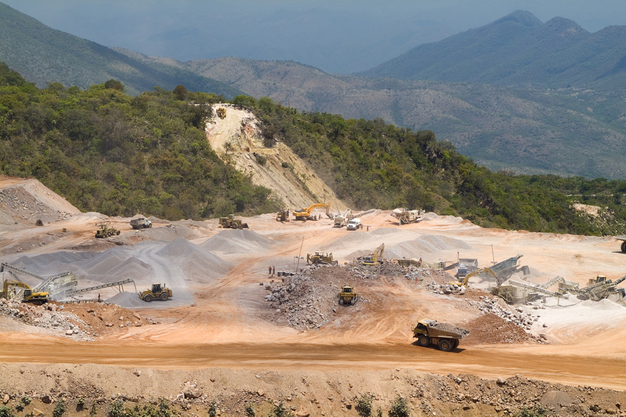 Goldcorp sells mines in Mexico, Guatemala for about $470 million