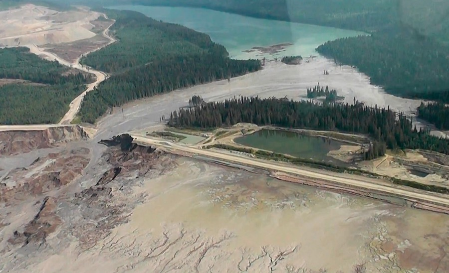 Mount Polley mine disaster followed years of permit delays — report
