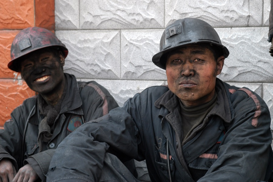 China's coal consumption keeps plummeting, down for 3rd year in a row
