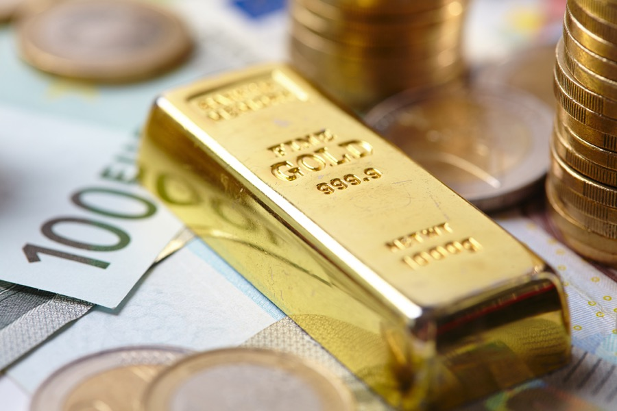 Investors keep flocking to gold, push metal to three-month high