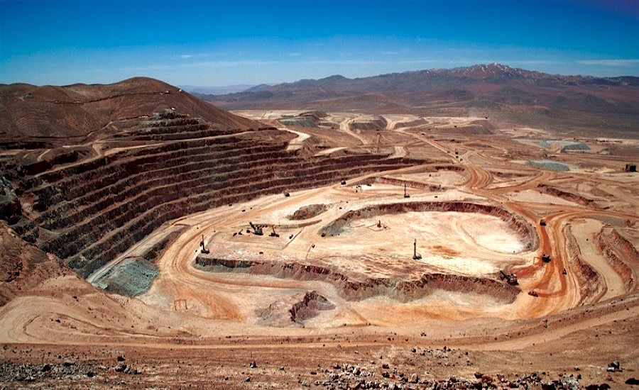Striking workers at BHP's Escondida mine accept Gov't mediation
