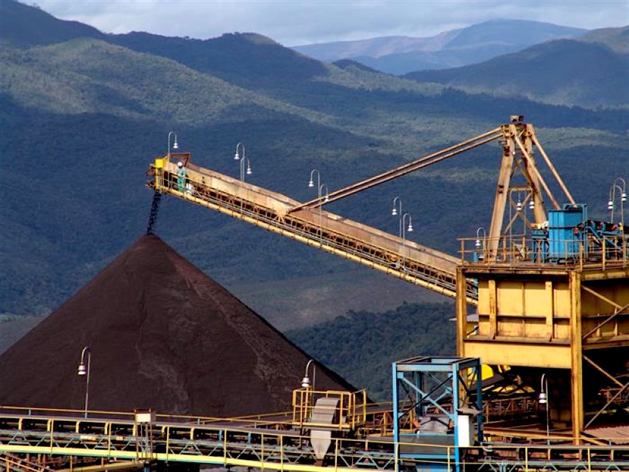 Vale swings back into the black on soaring iron ore prices