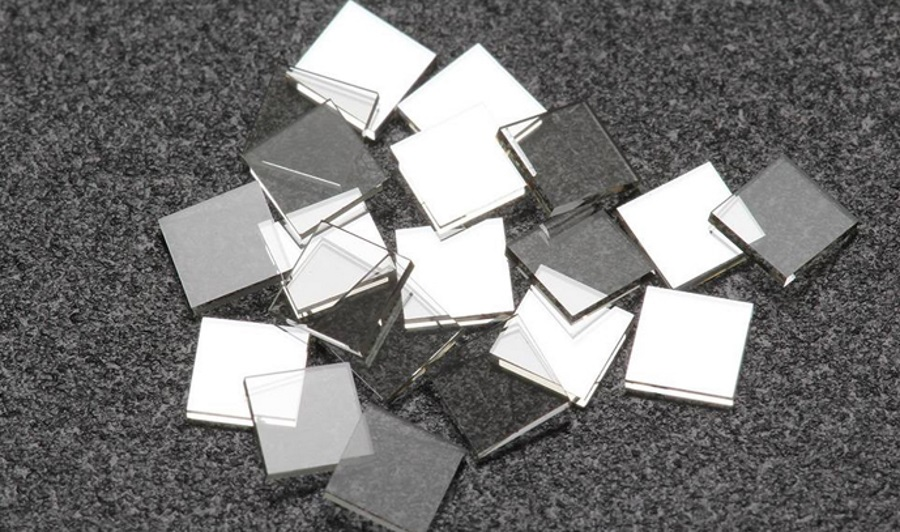 Lab-created diamond plates for high-tech application. Source: New Diamond Technology