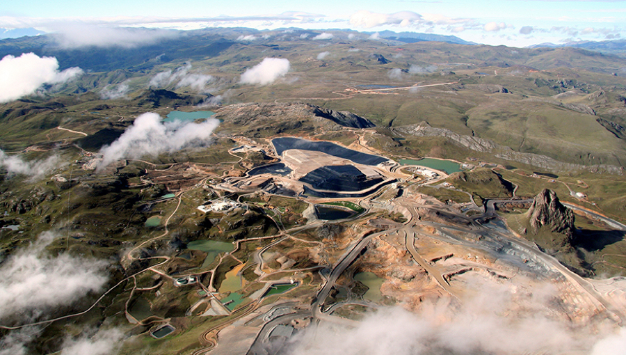 Barrick mulls selling part Peru mine, bringing partner — report