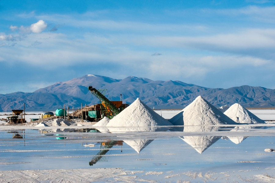 Bacanora Minerals soars on deal to supply lithium to Japan's Hanwa
