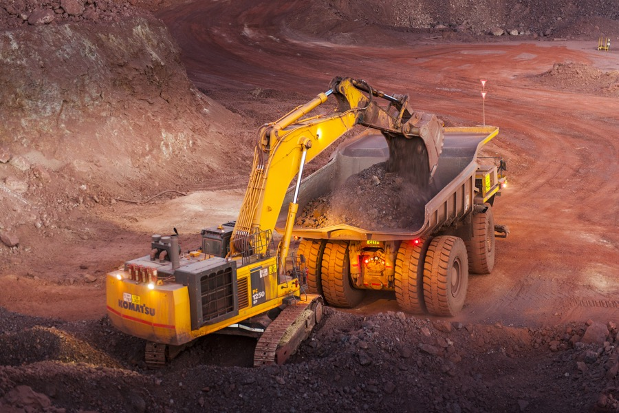 Miners punished as iron ore price resumes fall
