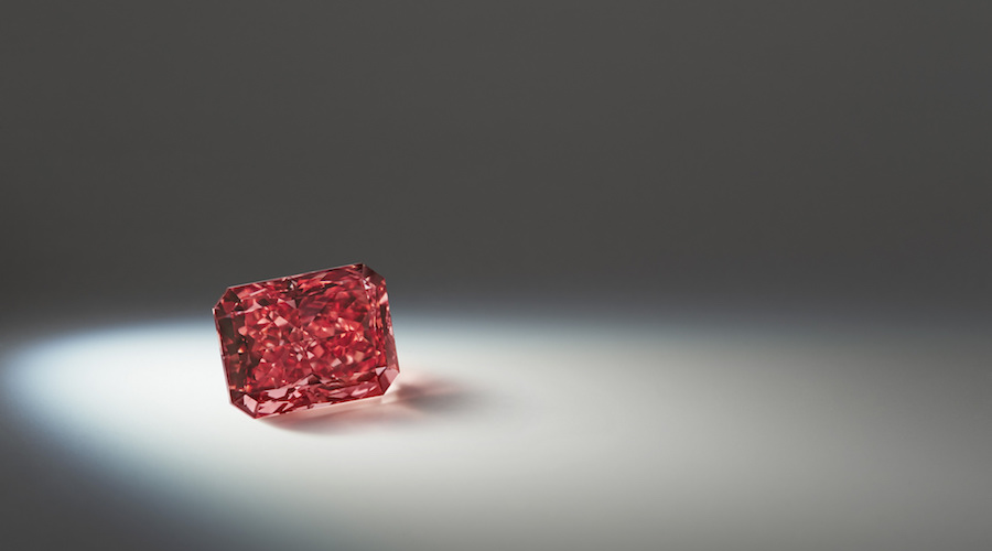 Rio Tinto unveils its largest red diamond
