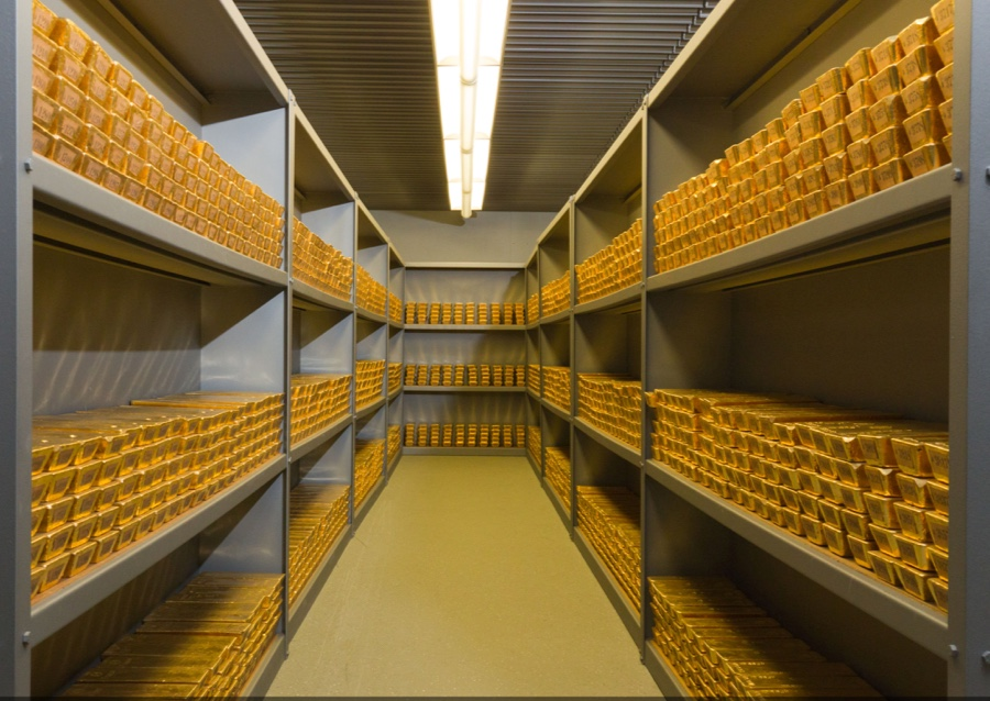 Bundesbank pulls all stops to show Germans their gold is real