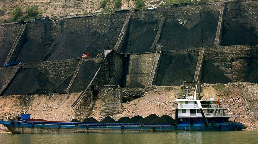 China churned out 970.56 million tonnes of coal between January and March, up from 829.91 million tonnes in the same period in 2020