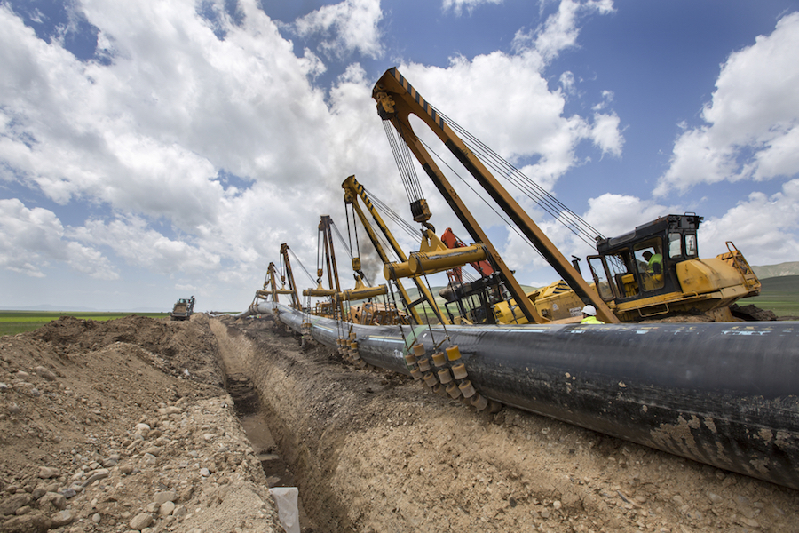 Canada does not need more oil sands pipelines, report claims