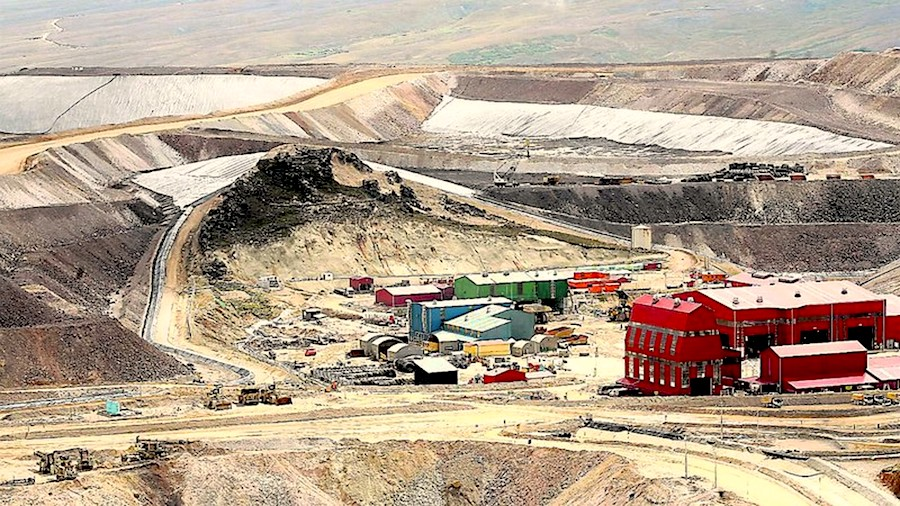 Rio, Teck, Hudbay among bidders for massive Peru copper project