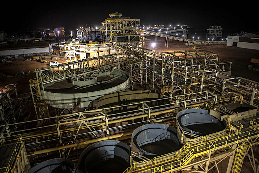 B2Gold pours first gold at Fekola mine in Mali