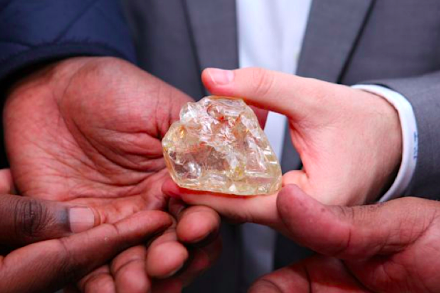 Proceeds from massive diamond found by pastor to go to Sierra Leone's poorest