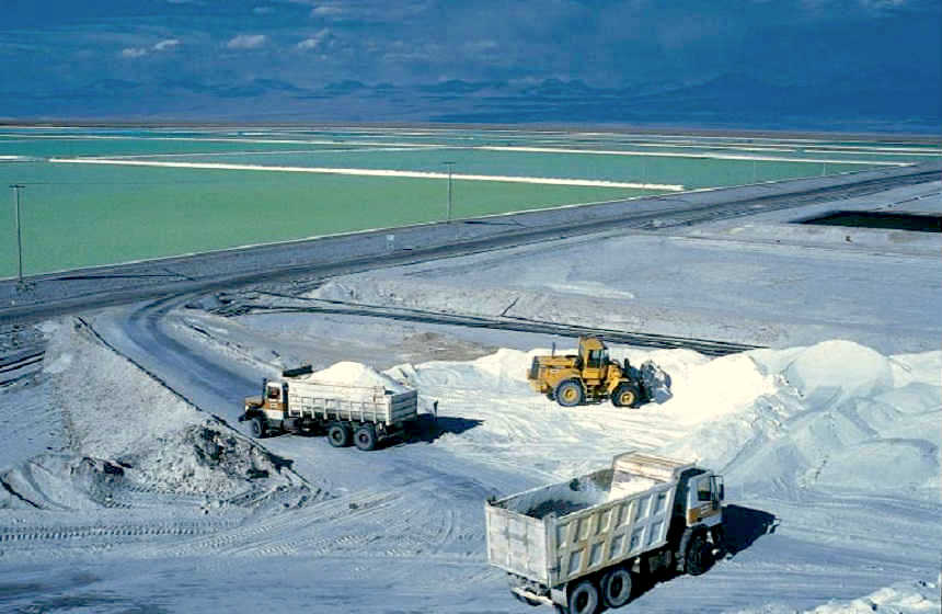 China's Tianqi Lithium buys minority stake in SQM for $4.07bn