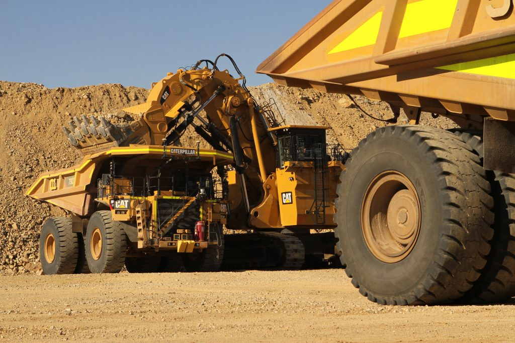 Caterpillar And Rio Tinto To Retrofit Cat 174 Trucks For