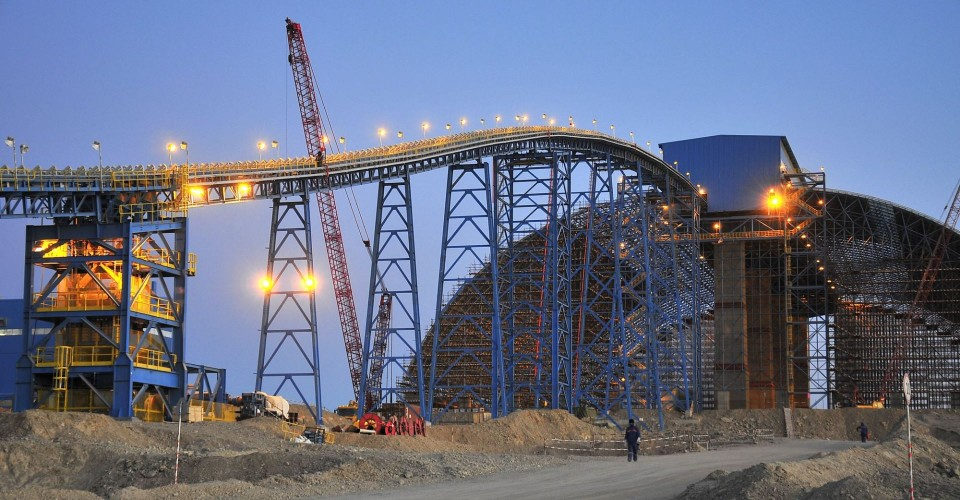 Massive Oyu Tolgoi mine to more than double gold production in 2018