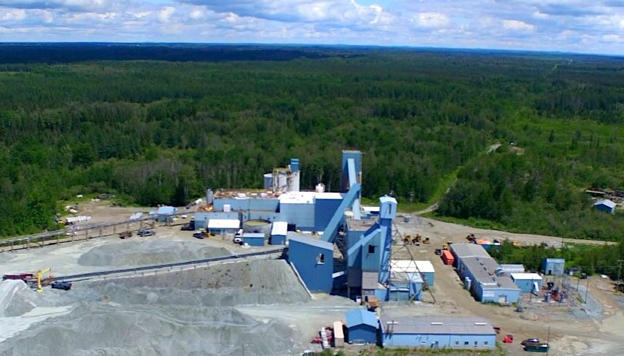 McEwen Mining halts payout over startup delays, ops issues