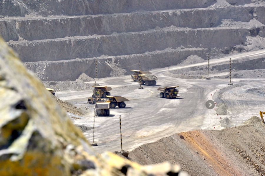 Japan's Mitsui wants more of Chile's Collahuasi copper mine, but none of Los Pelambres