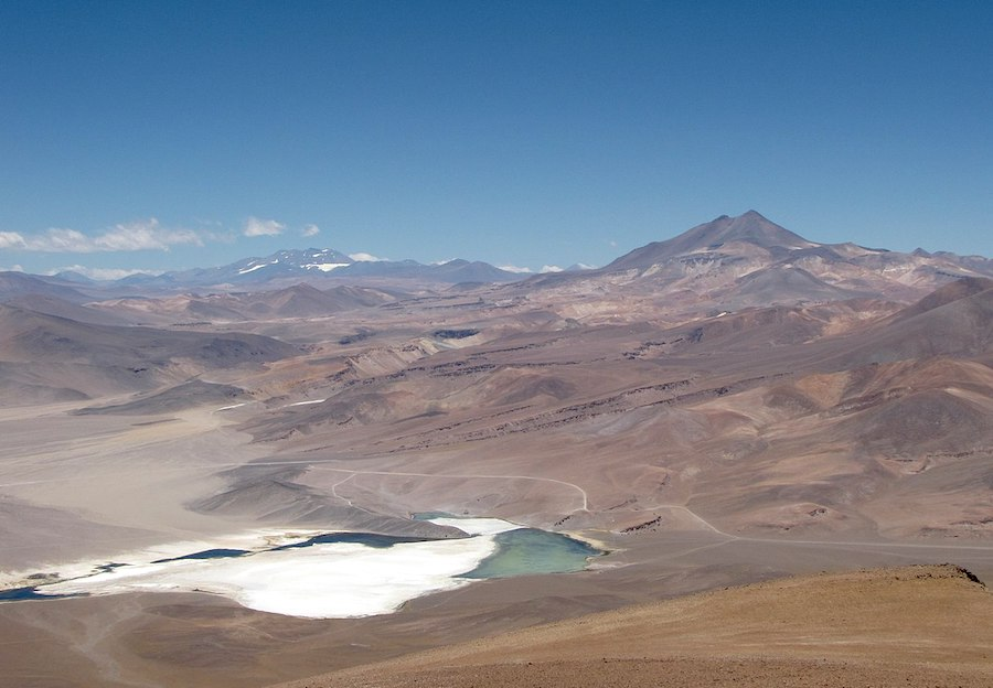 Private firm takes on Codelco for control of Chile lithium deposit