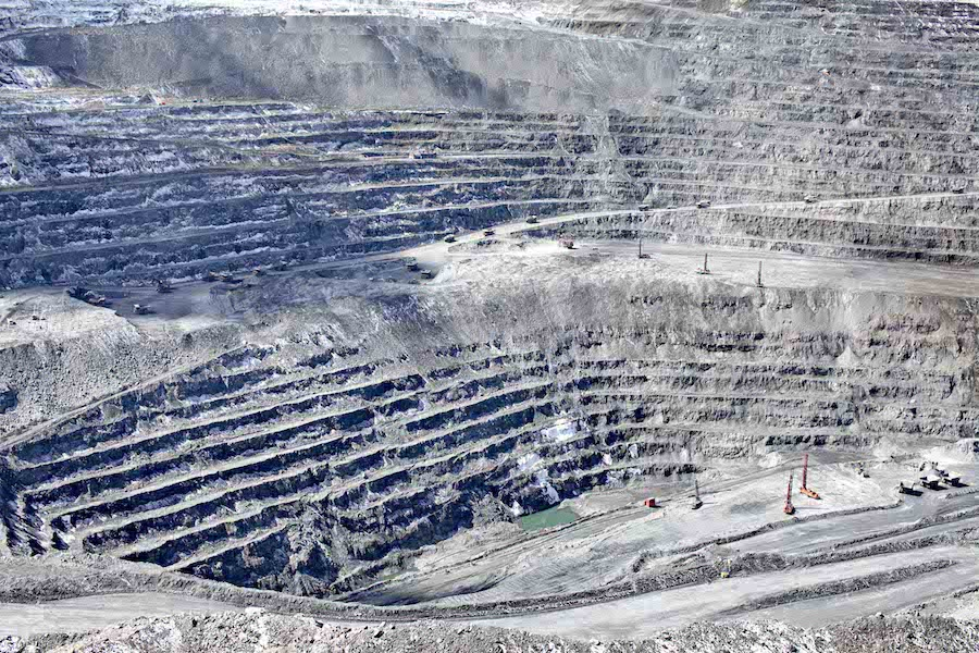 Chaarat Gold offer to Centerra values Kumtor mine at $800 million