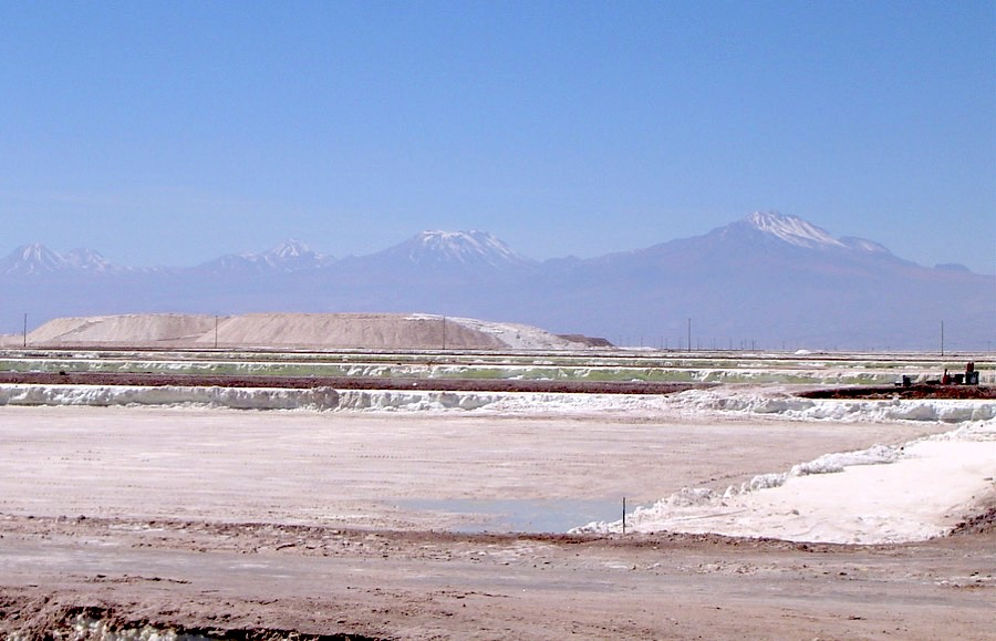 China lithium top player boosts investment in emerging Australian miner
