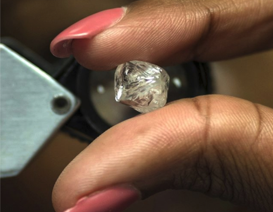 De Beers just sold 34 million rough diamonds more than last year