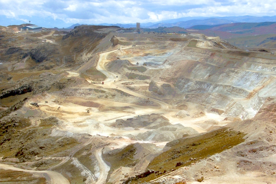 Newmont sales stake in Yanacocha gold mine to Japan's Sumitomo for $48 million