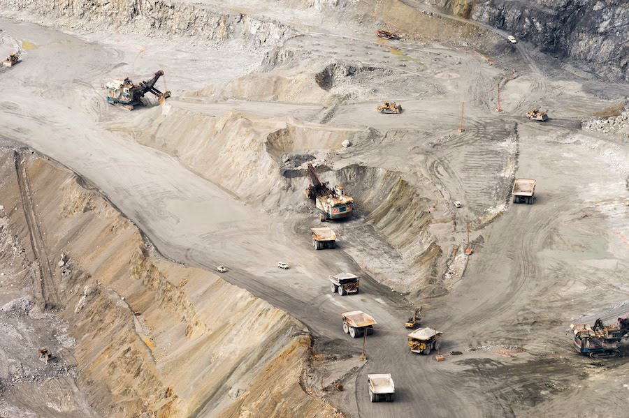 Freeport operating permit form Grasberg mine extended until end of July