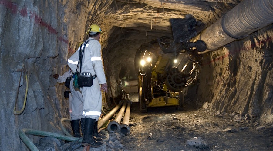 South African Gold Producers Make New Wage Offer To Unions
