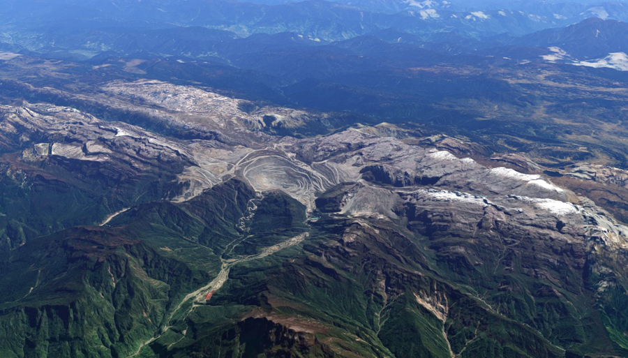 Freeport, Rio formally yield control of giant Grasberg mine to Indonesia