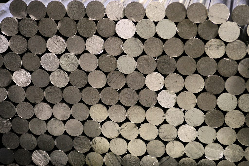 -Booming demand and shipping costs feed aluminium rally