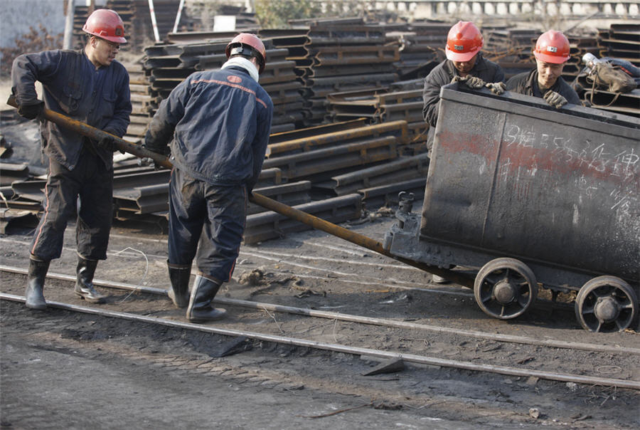 China launches yearlong campaign of coal-mining safety checks
