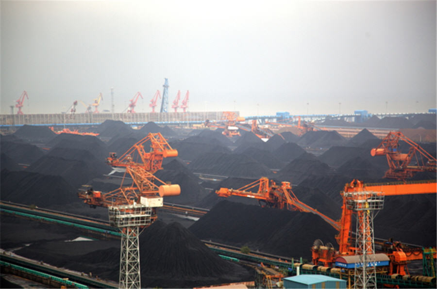 Strange days for coal with Glencore's cap, China curbs