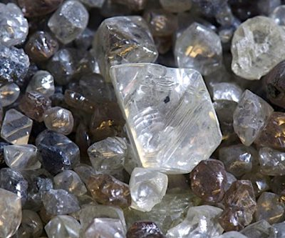 De Beers to make some enemies in diamond sector, cuts low-quality stones prices