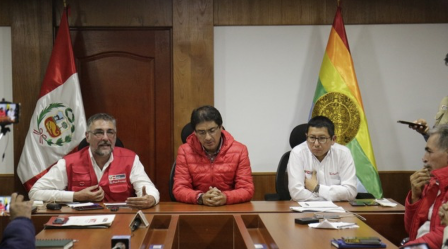 Peruvian authorities urge people to stop blockading road used by Las Bambas