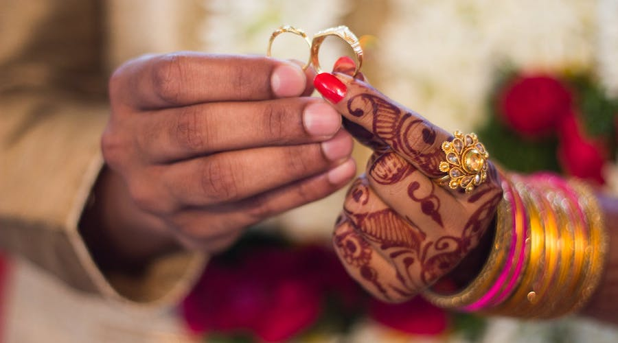 Asia Gold-Indian gold sold at discount as wedding demand disappoints