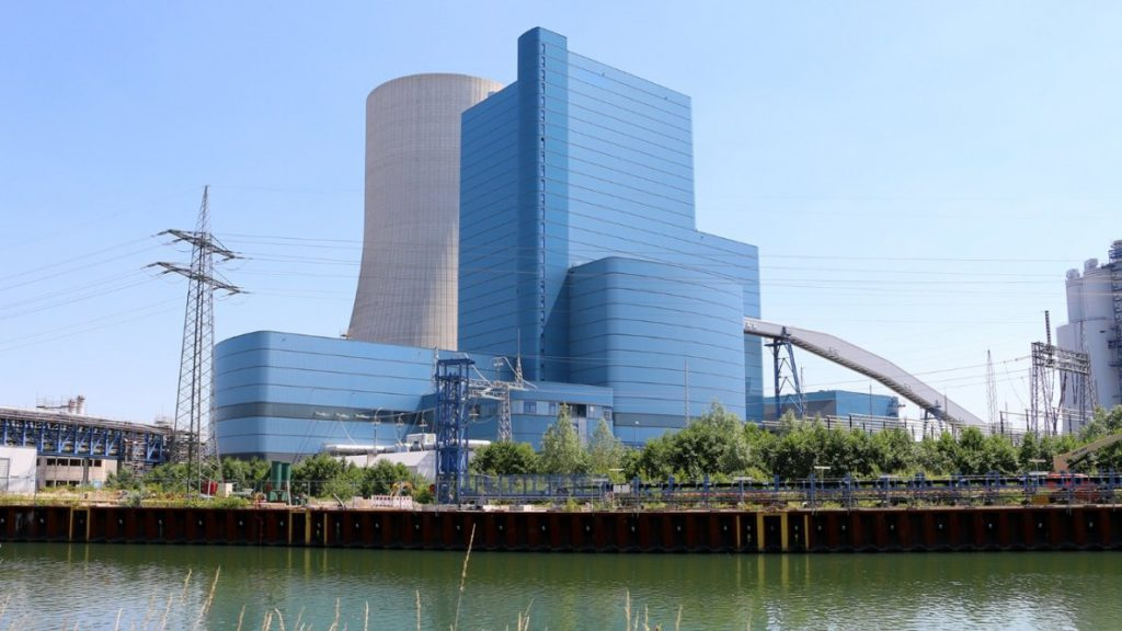 Controversial German coal-fired power plant to start this week