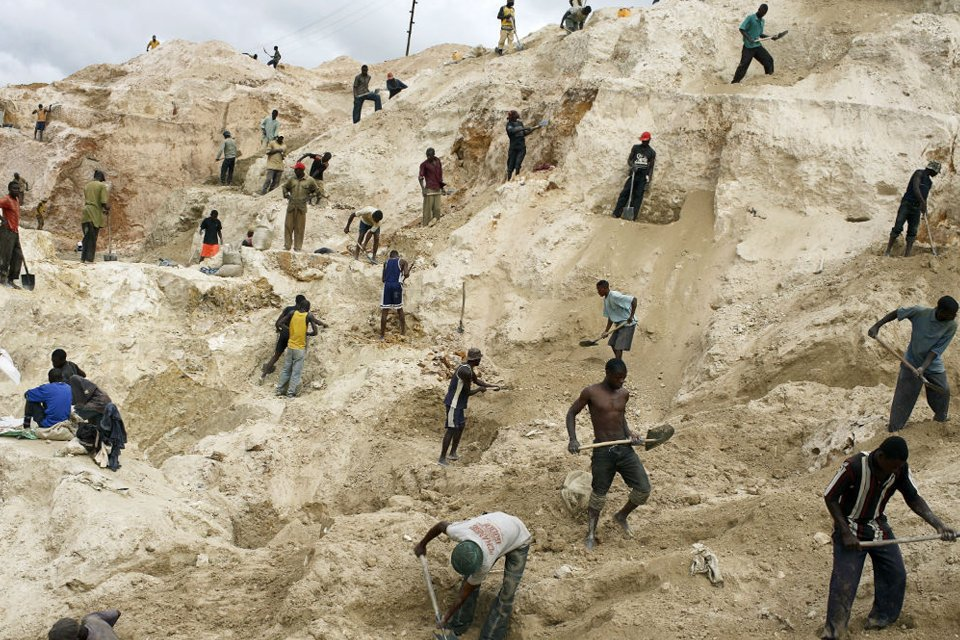 Congo suspends cobalt trade in key province on virus
