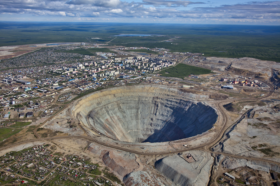 Alrosa starts drilling at flooded Mir pipe