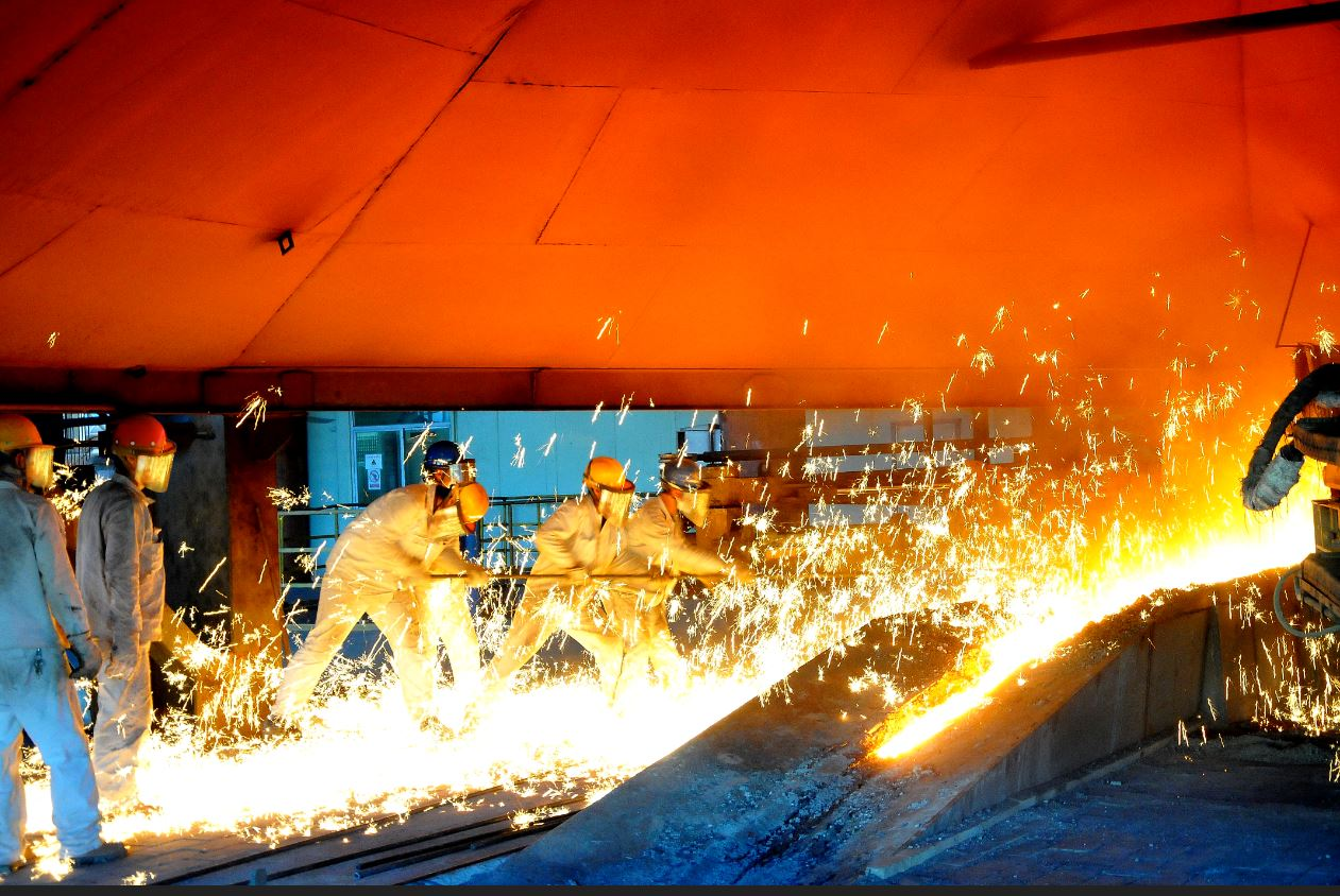 Nickel's sizzling rally cools, but not over yet