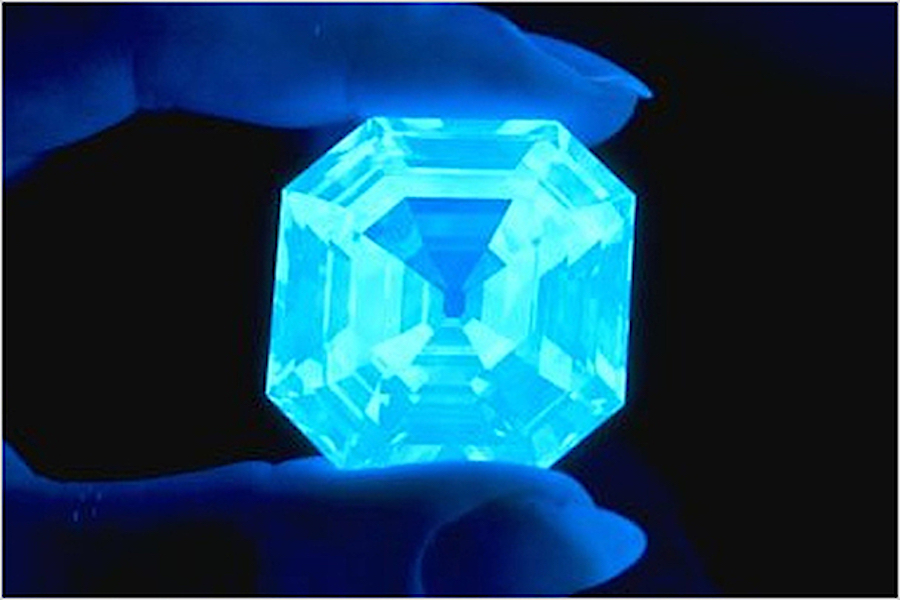 Alrosa steps up efforts to brighten up fluorescent diamond sales