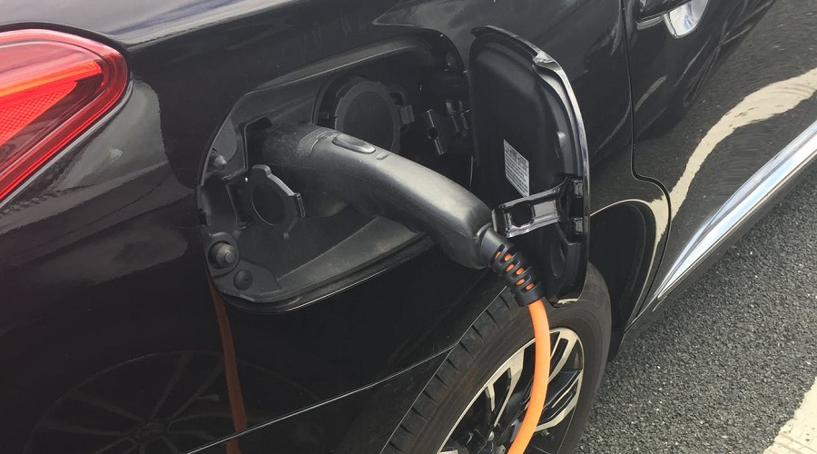 Mobile fast-charging system for EVs now available