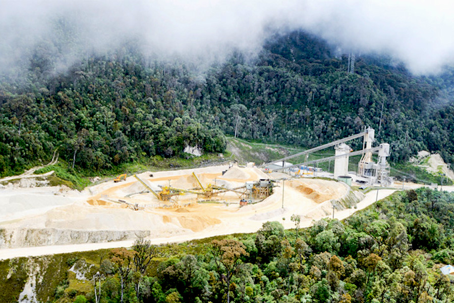 PNG threatens Barrick over alleged gold export attempt
